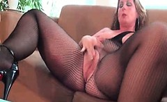 Nasty housewive goes crazy masturbating