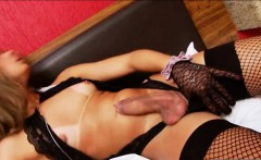 Small tits tranny Bianca Hills jerks off her dick until