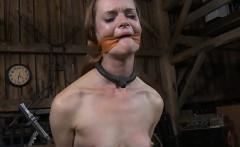 Hot slave delights with oral pleasure