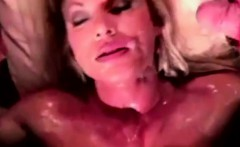 Muscled blonde big clitoris exposion
