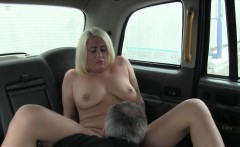 Amateur blonde passenger gets pussy banged by fake driver