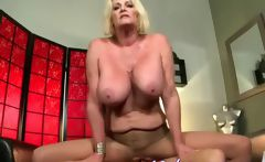 Big mature divorcee Agnes