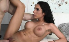 Latina Babe Tia Cyrus Gets Fucked And Facialized