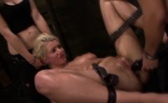 Les slave in threeway