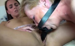 Teen fingers wet granny pussy