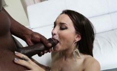 Gabriella Paltrova gives a blow job
