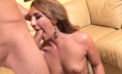 Savannah Fox has an amazing behind, and thats exactly...
