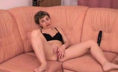 Horny mature slut enjoys her sex toy deep inside her beaver