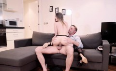 Juicy-assed slut gets her pussy fucked
