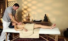 duped babe massaged jizz