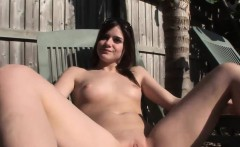 Hot masturbation session with an irresistible bint