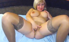 Big ass on a busty milf with stockings