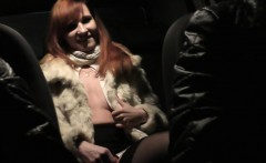 jeny smith is being caught naked on back seat of taxi