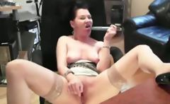 Horny milf uses vibrator on herself