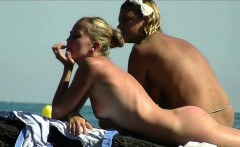 This nudist lady looks so hot on her knees