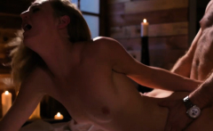 Nasty Babe Mona Wales Gets An Incredible Orgasm In The Couch