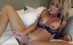 Mature Webcam Whore Dildos Her Pussy Part 3