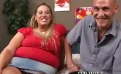 BBW fat plumper is giving head