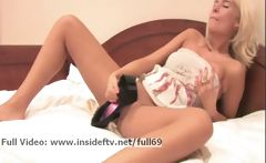 Danica _ Amateur blonde masturbating with her shoe