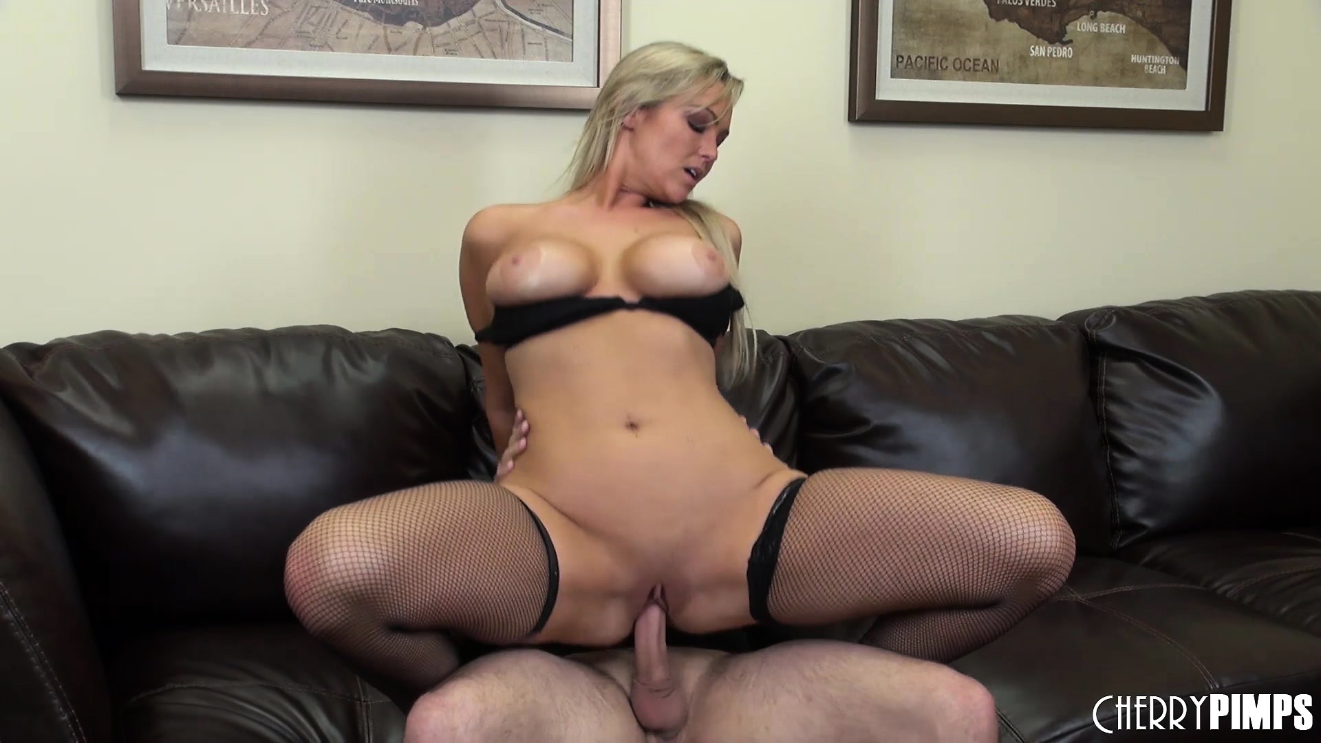 Big tit babe Abbey Brooks gets her cunny pumped and tastes cock