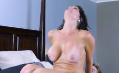Luscious Cougar Veronica Avluv Gets Good Dicking