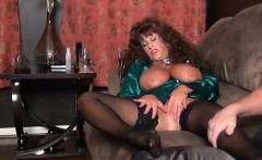Mature solo brit hoe in stockings