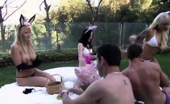 Kinky swingers pleasing each other