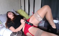 Lustful Masked Cammodel Toying Her Twat