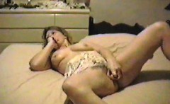 Obese mature blonde Iveta toying her fat cunt