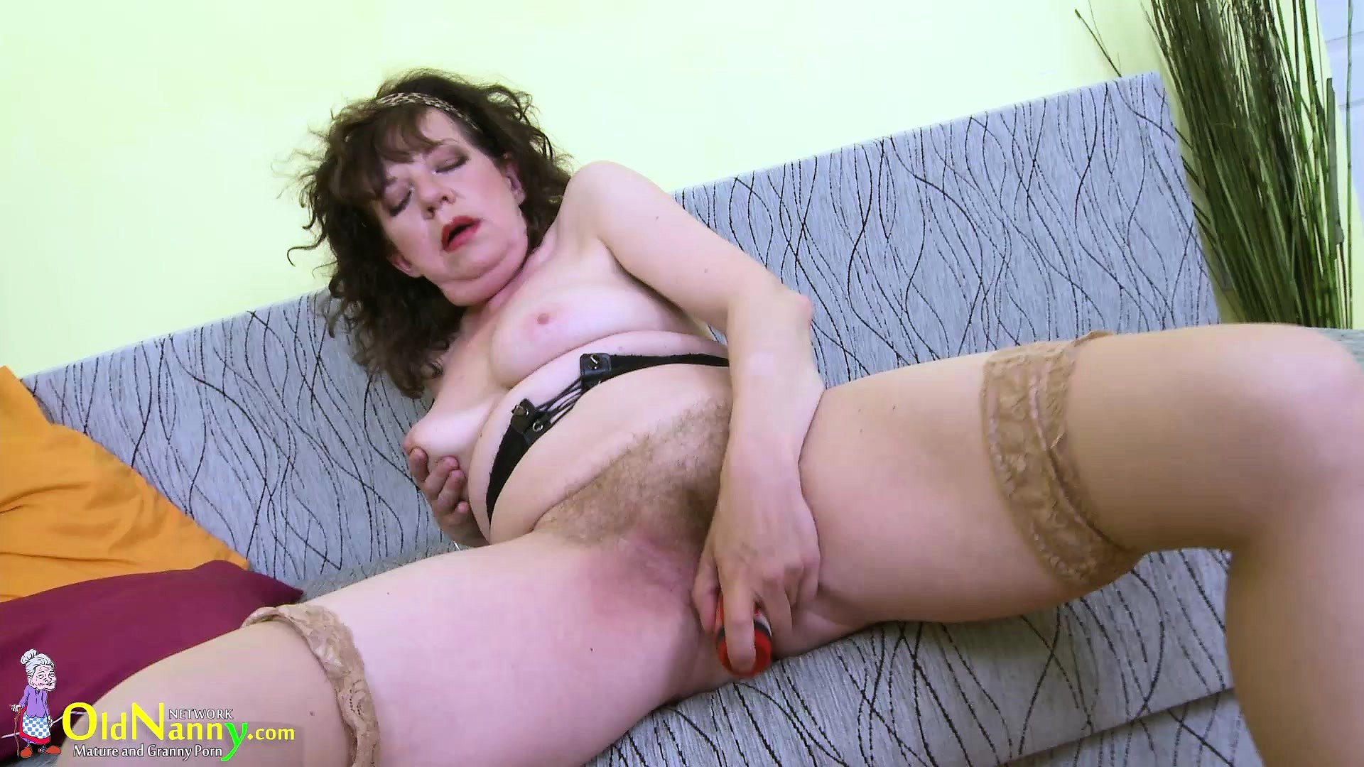 Mature Hairy Pussy Interracial