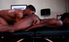 Muscular beefy ebony asspounds stud