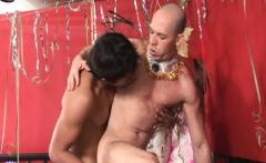 Super Hot Latino Gay Couple bareback sex