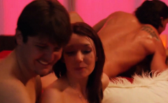 couples swinging and enjoy big groupsex in the red room