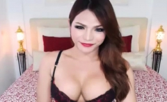Sexy Teen Shemale Jerks and Cum live on cam