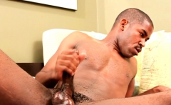 Ripped hunk wanking cock in masturbating solo