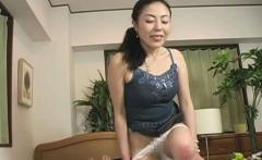 Voracious asian maiden Kyoko Misaki is fingered