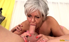 Grandma Kelly Leigh Is Horny for a Cock