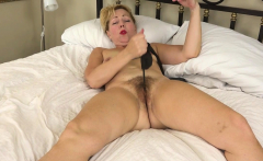 USA milf Jamie Foster gets inspired sexually in hotel room