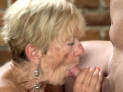 Wrinkled Old Woman Banged And Facialized