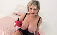 How long can you last with big tit cougar Lady Sonia?